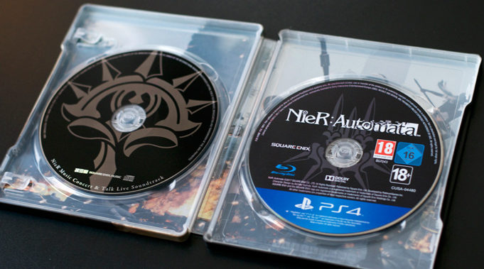 Unboxing-Nier-Automata-Collector-Black-Box-15