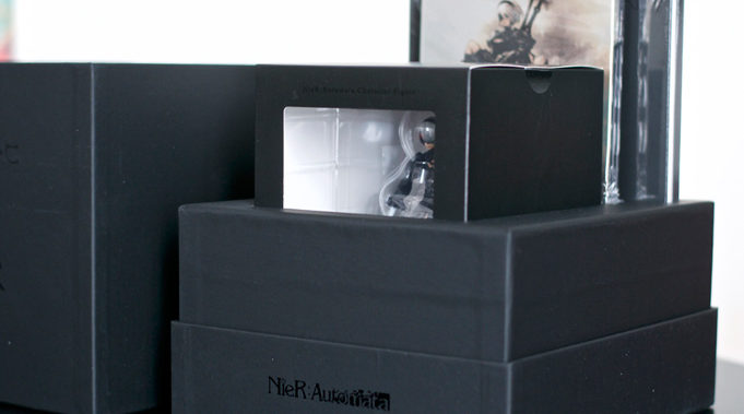 Unboxing-Nier-Automata-Collector-Black-Box-4